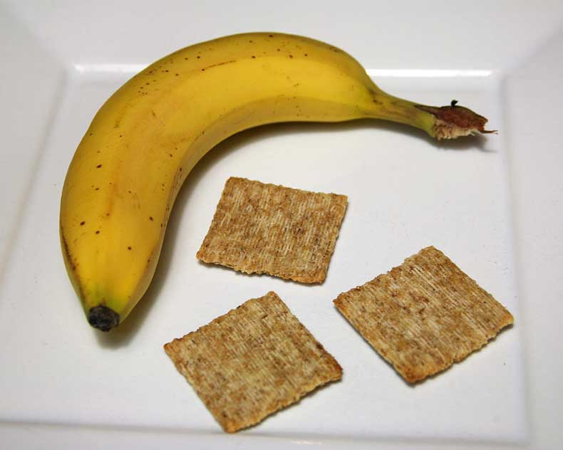 Banana-Triscuits