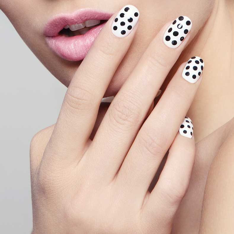 Monochrome-Polka-Dot-Nail-Art-Designs