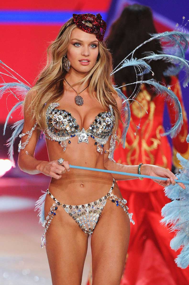 CANDICE-SWANEPOEL-at-2012-Victorias-Secret-Fashion-Show-in-New-York-8