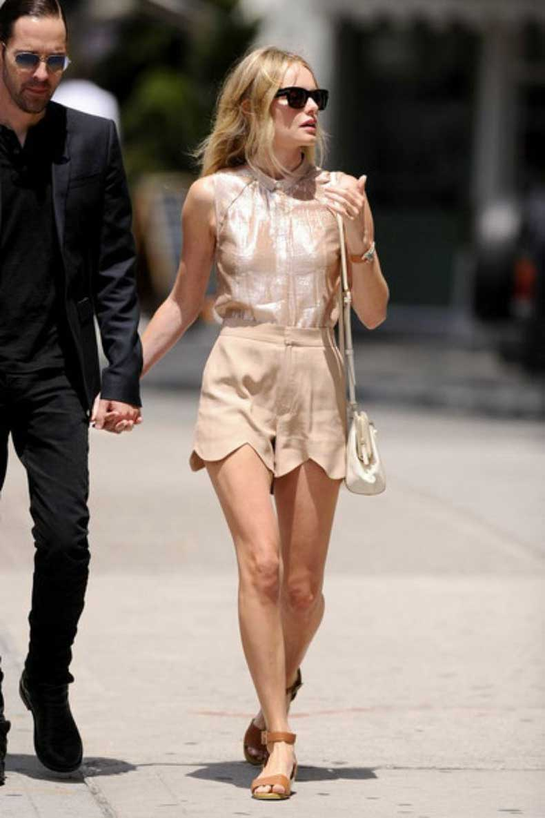 citizenhems.com-Kate-Bosworth-street-style-scalloped-shorts-metallic-tee
