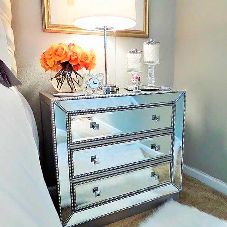 you-have-tiny-bedroom-you-can-enlarge-space-finding