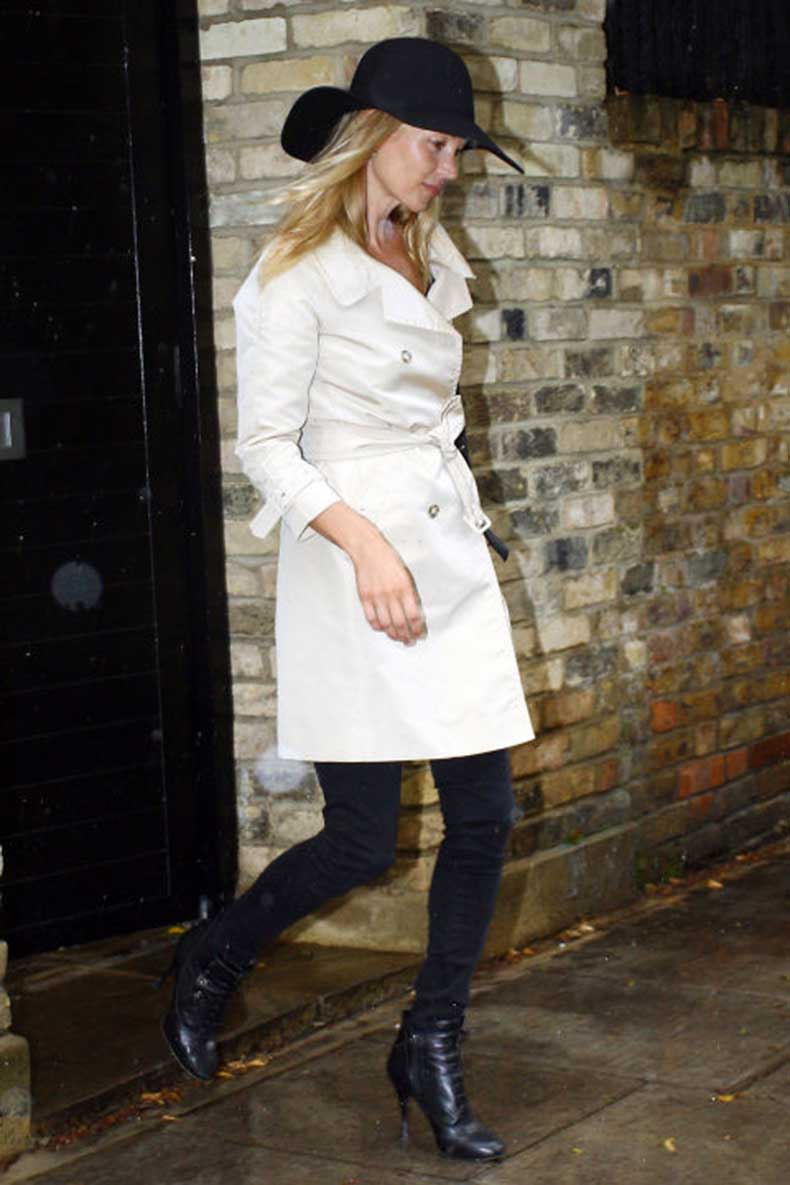 elle-26-kate-moss-trench-coat