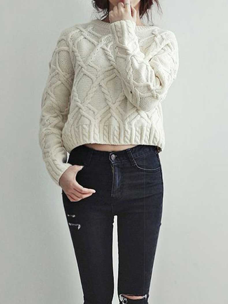 how-to-wear-cropped-sweaters-in-winter-2