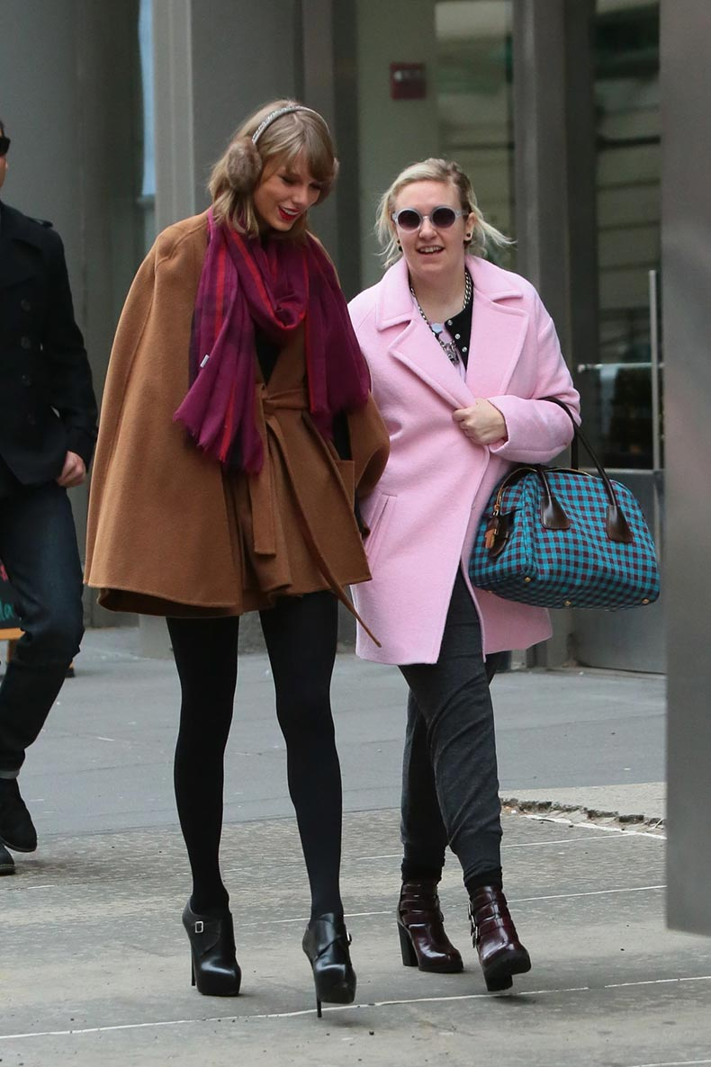 taylor-swift-winter-style-with-lena-dunham-leaving-bubby-s-restaurant-in-tribeca-new-york_13