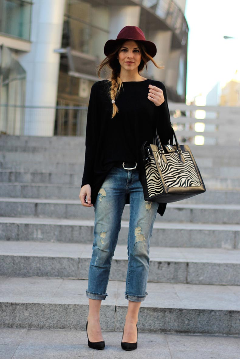 Ripped-Boyfriend-Jeans-For-Women-Street-Style-6