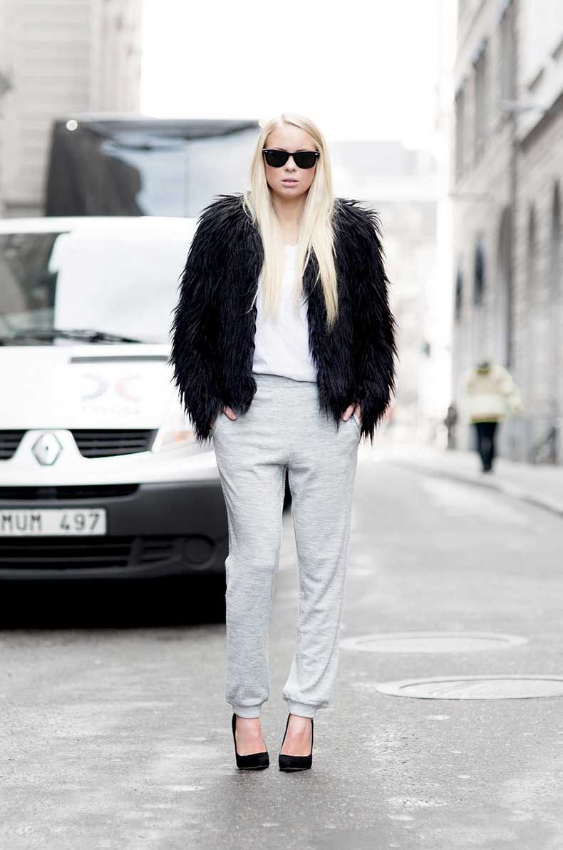 5.-fur-jacket-with-casual-outfit