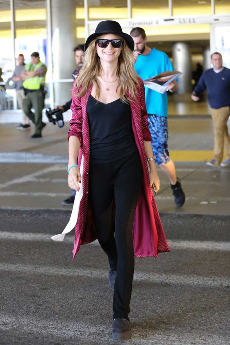 Behati-Prinsloo-proved-pop-red-never-hurts-neither-does