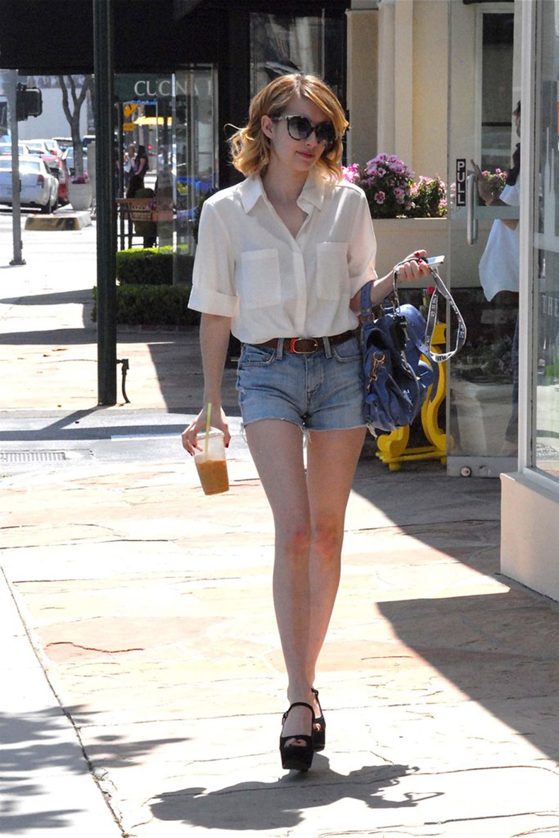 Emma-Roberts-did-her-part-keep-cool-lightweight-button-up