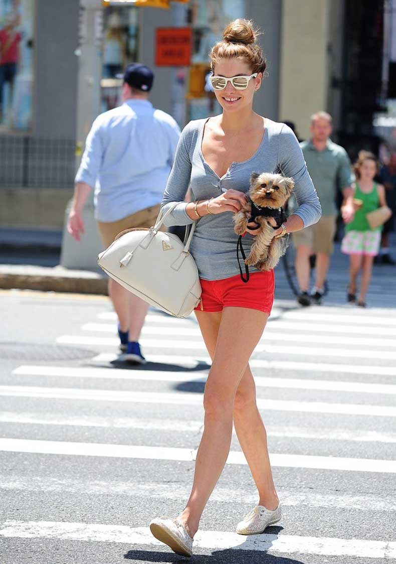 Jessica-Hart-practically-picture-Summer-her-red-shorts