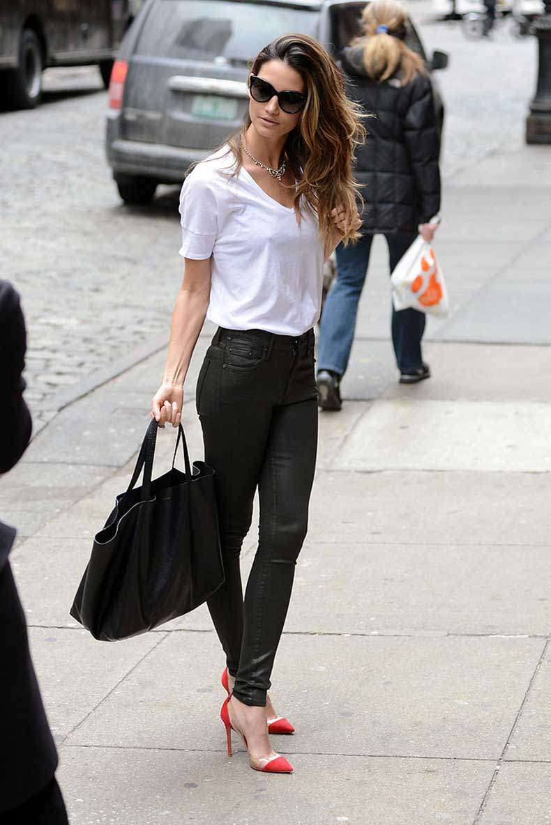 Lily-Aldridge-looked-supersleek-black-leather-Citizens-Humanity