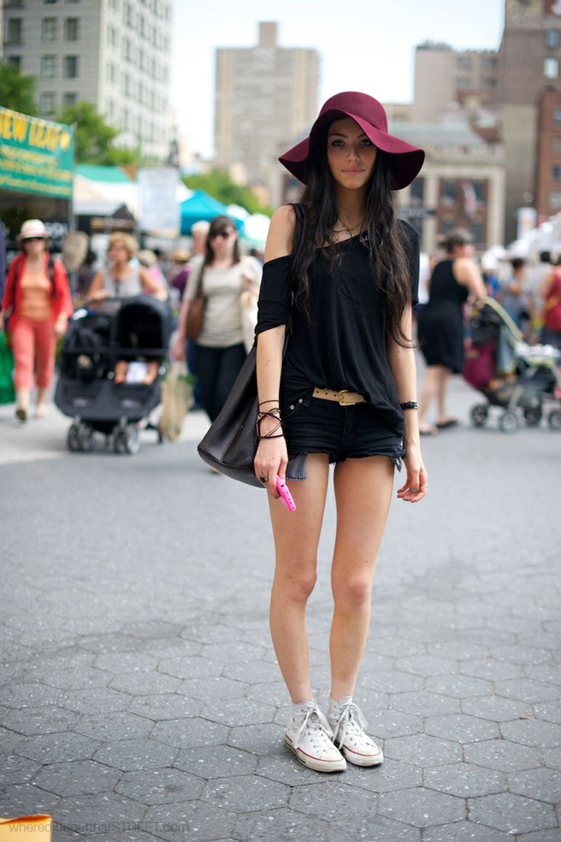 cute-maroon-floppy-hat