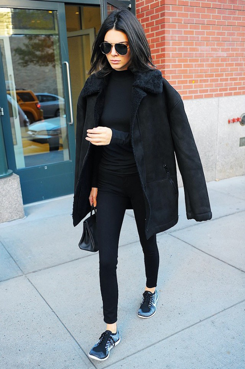 the-10-piece-kendall-jenner-wardrobe-1615949-1452215255.640x0c