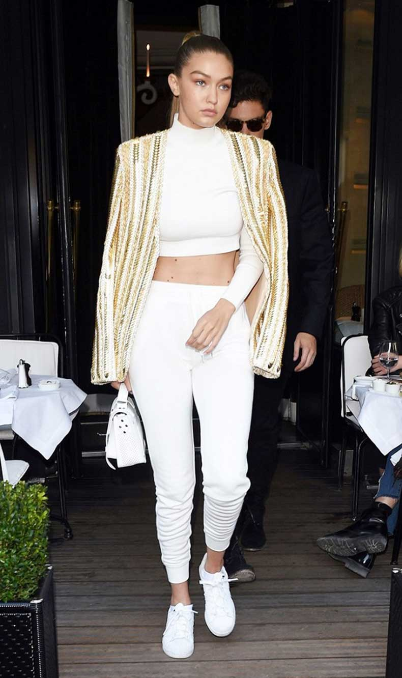 the-7-items-every-20-something-celeb-has-in-her-closet-1593130-1449863332.640x0c