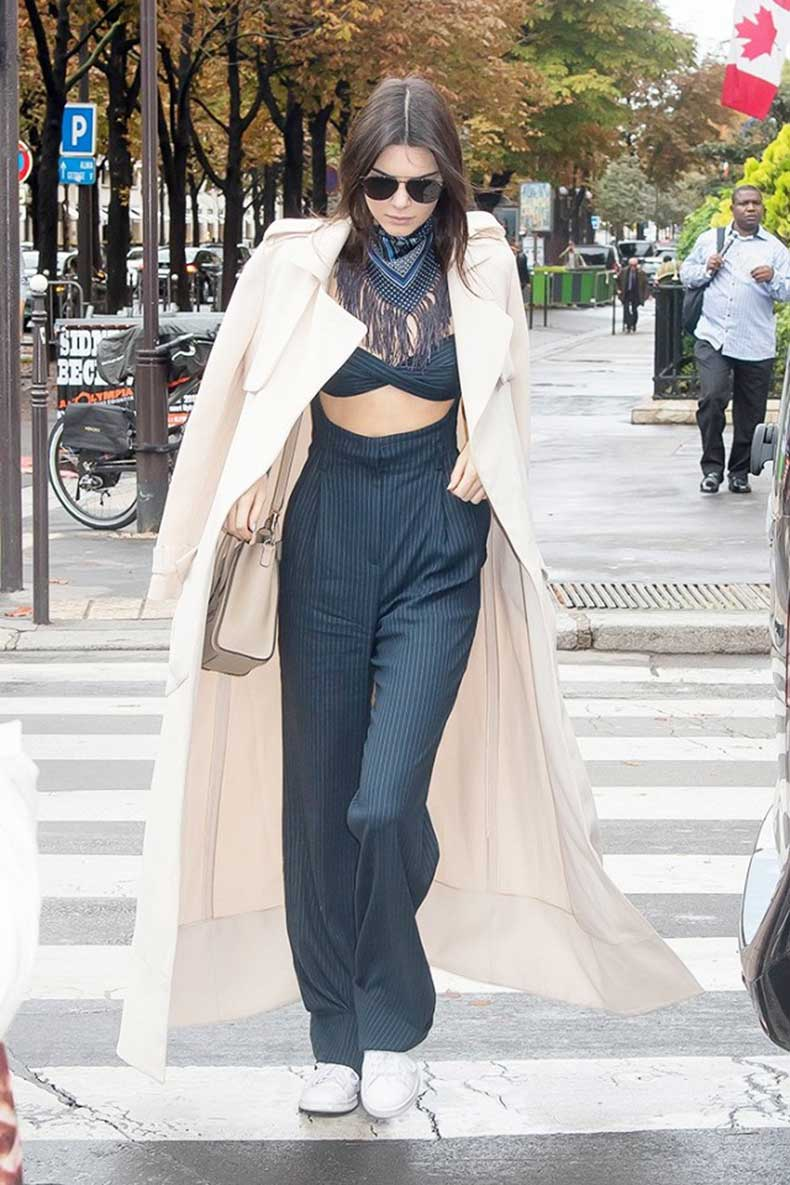 the-7-items-every-20-something-celeb-has-in-her-closet-1593131-1449863332.640x0c