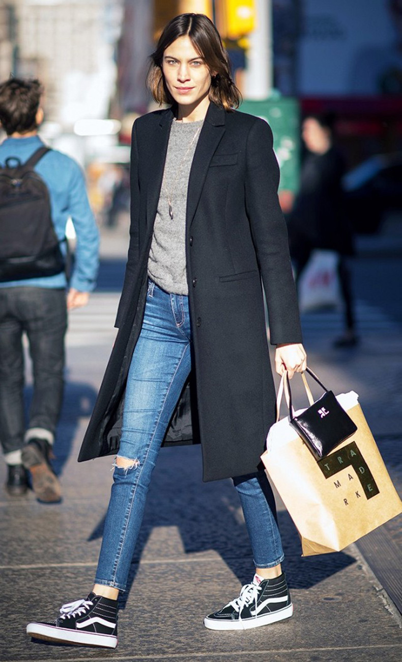 the-celebrity-guide-to-making-sneakers-look-polished-1622852-1452795922.640x0c