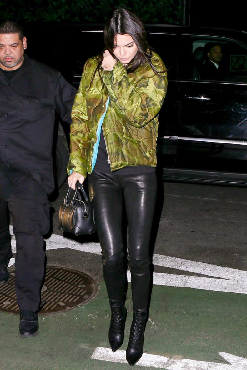 how-kendall-jenner-takes-leather-leggings-from-day-to-night-1663130-1455814064.640x0c