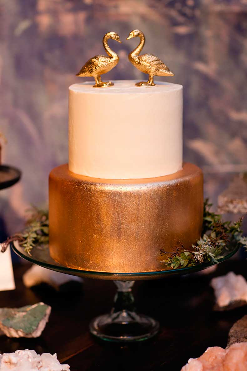 modern-cake-has-bit-whimsy-graphic-gold-detail