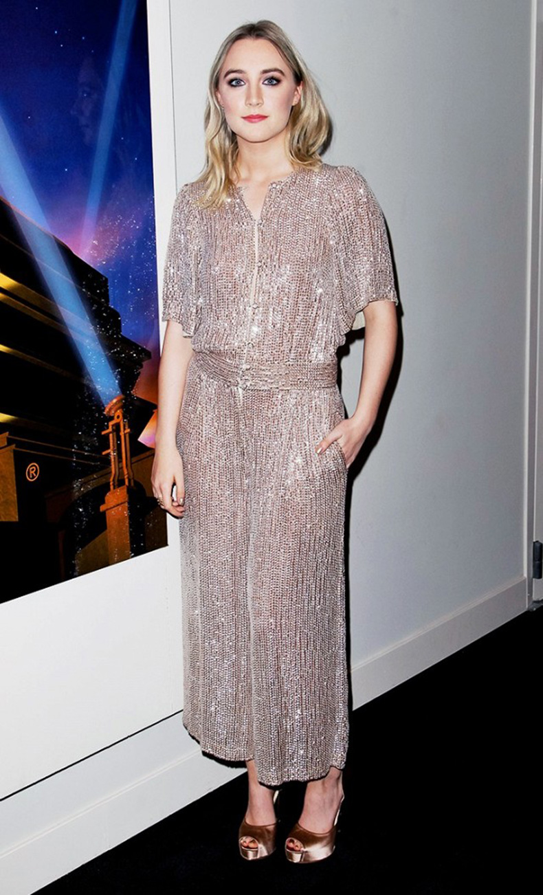 the-new-it-girl-thats-on-every-best-dressed-list-1667522-1456174635.640x0c
