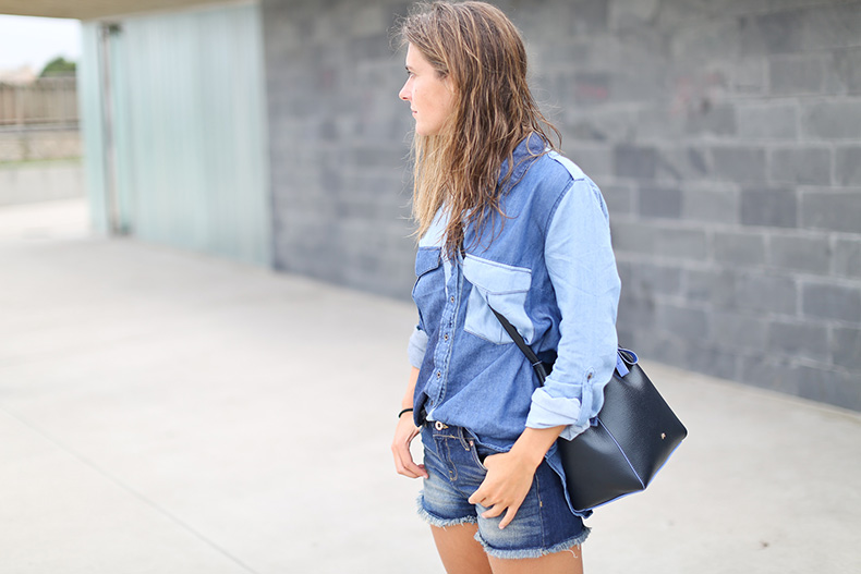 Clochet_streetstyle_total_denim_stradivarius_denim_shirt-2