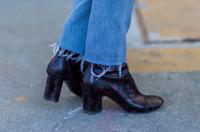 nyfw-street-style-cropped-jeans-booties-river-w724