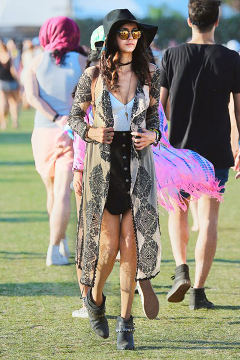 Nina-Dobrev-Coachella-Vogue-18April16-Splash_b_426x639
