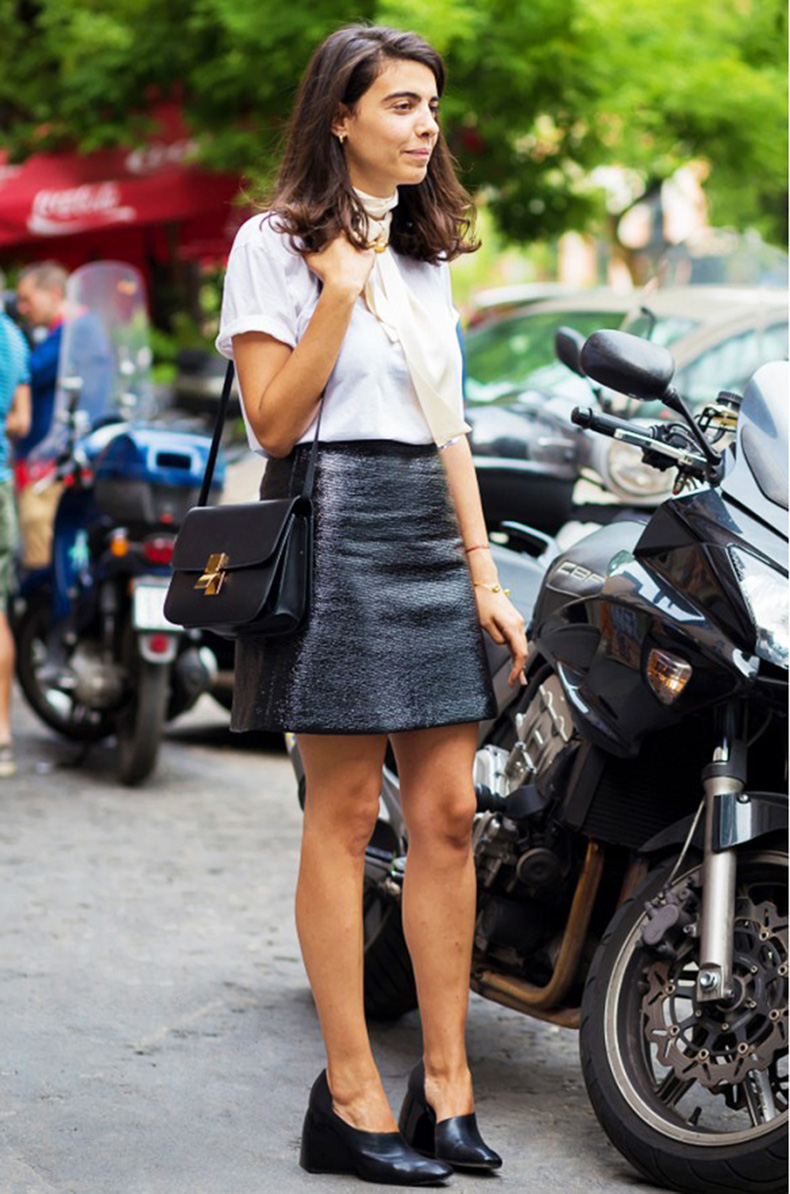 skinny-scarf-black-mini-skirt-black-and-white-block-heel-skinny-scarf-style-du-monde