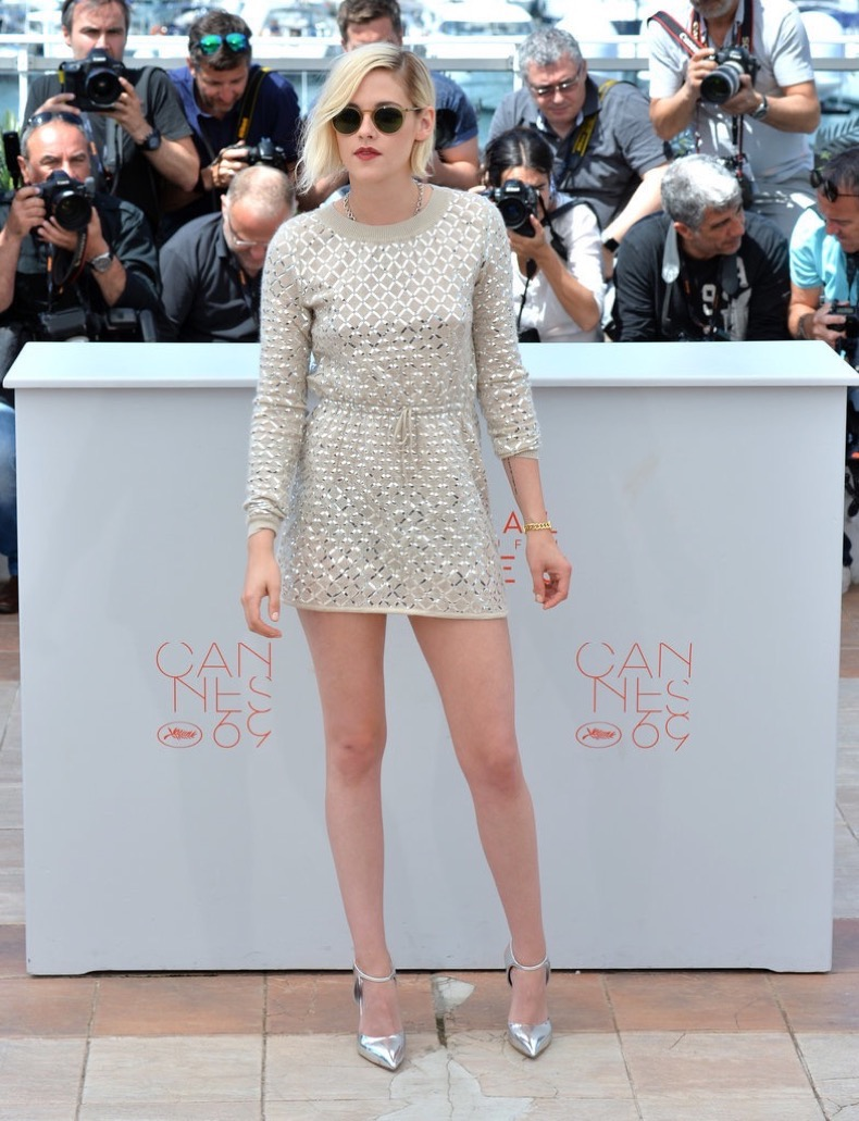 Kristen-Stewart-rocked-minidress-metallic-heels
