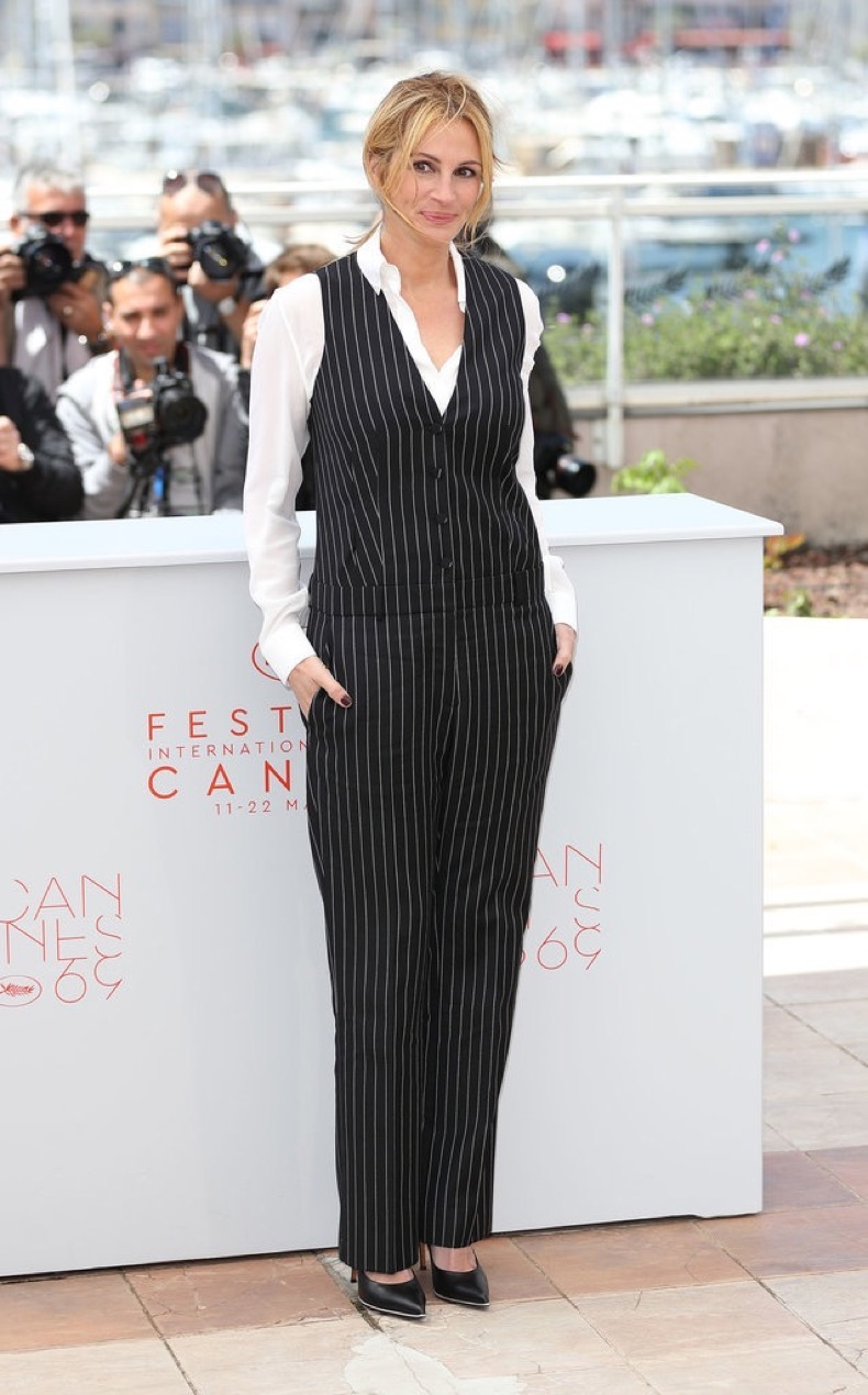 Repossi-jewels-pinstriped-Givenchy-set-Julia-Roberts