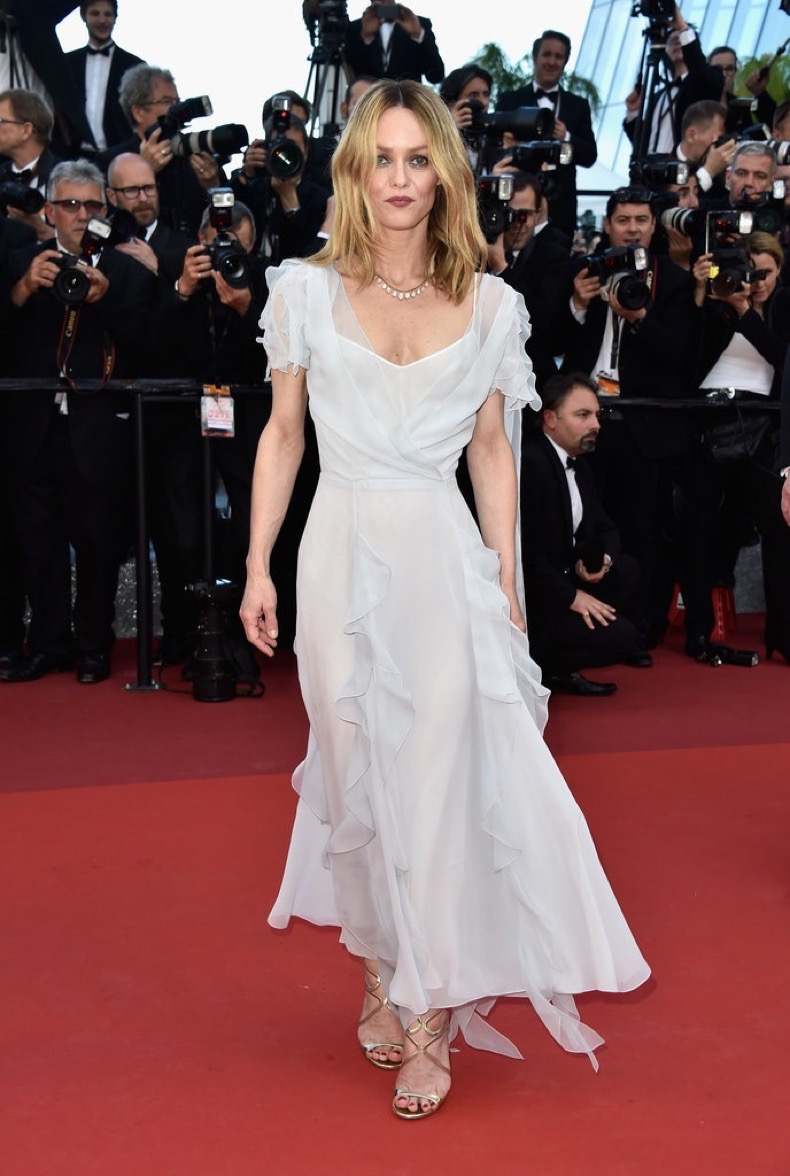 Vanessa-Paradis-chose-ethereal-dress-Last-Face-premiere