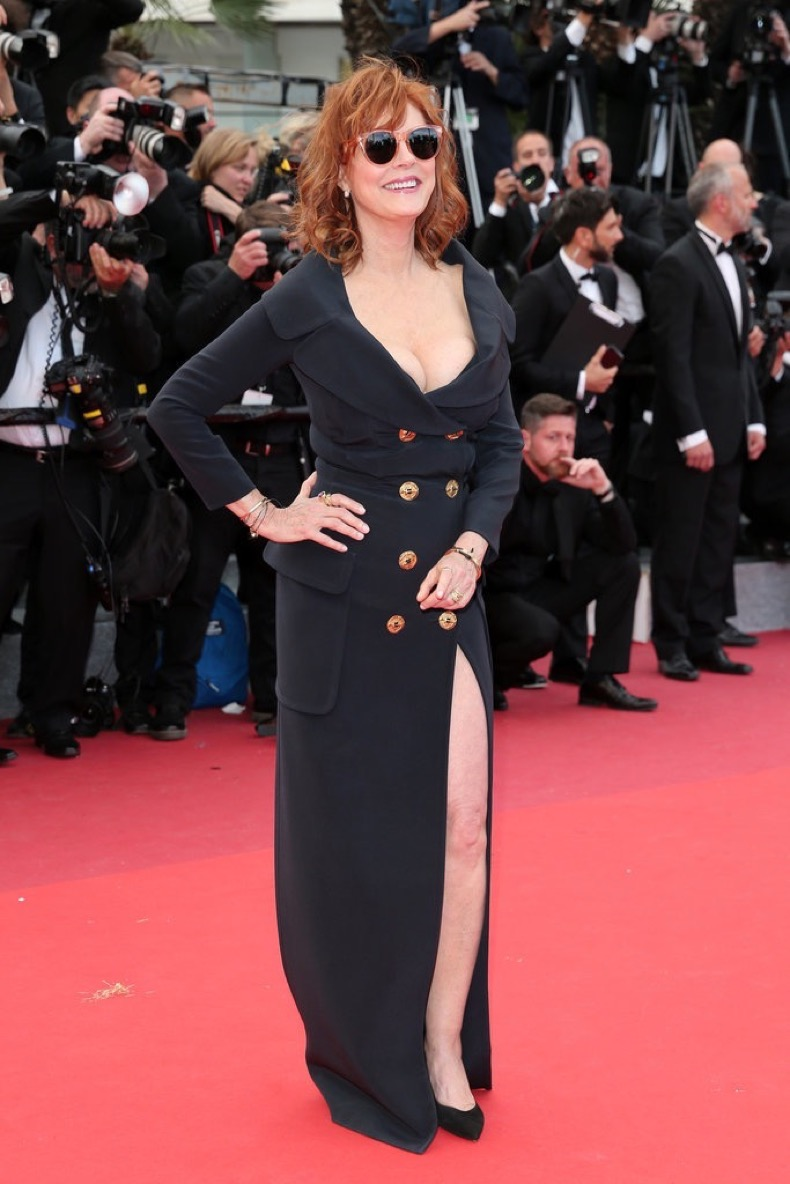 kSusan-Sarandon-vision-double-breasted-blazer-slit