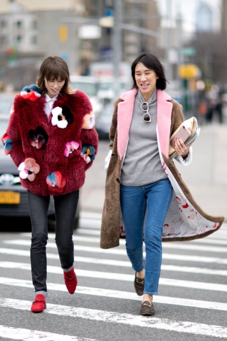 cropped-jeans-grey-turtleenck-sweater-loafers-fur-coat-furry-coat-colored-fur-eva-chen-nyfw-street-style-weekend-brunch-ps-640x960
