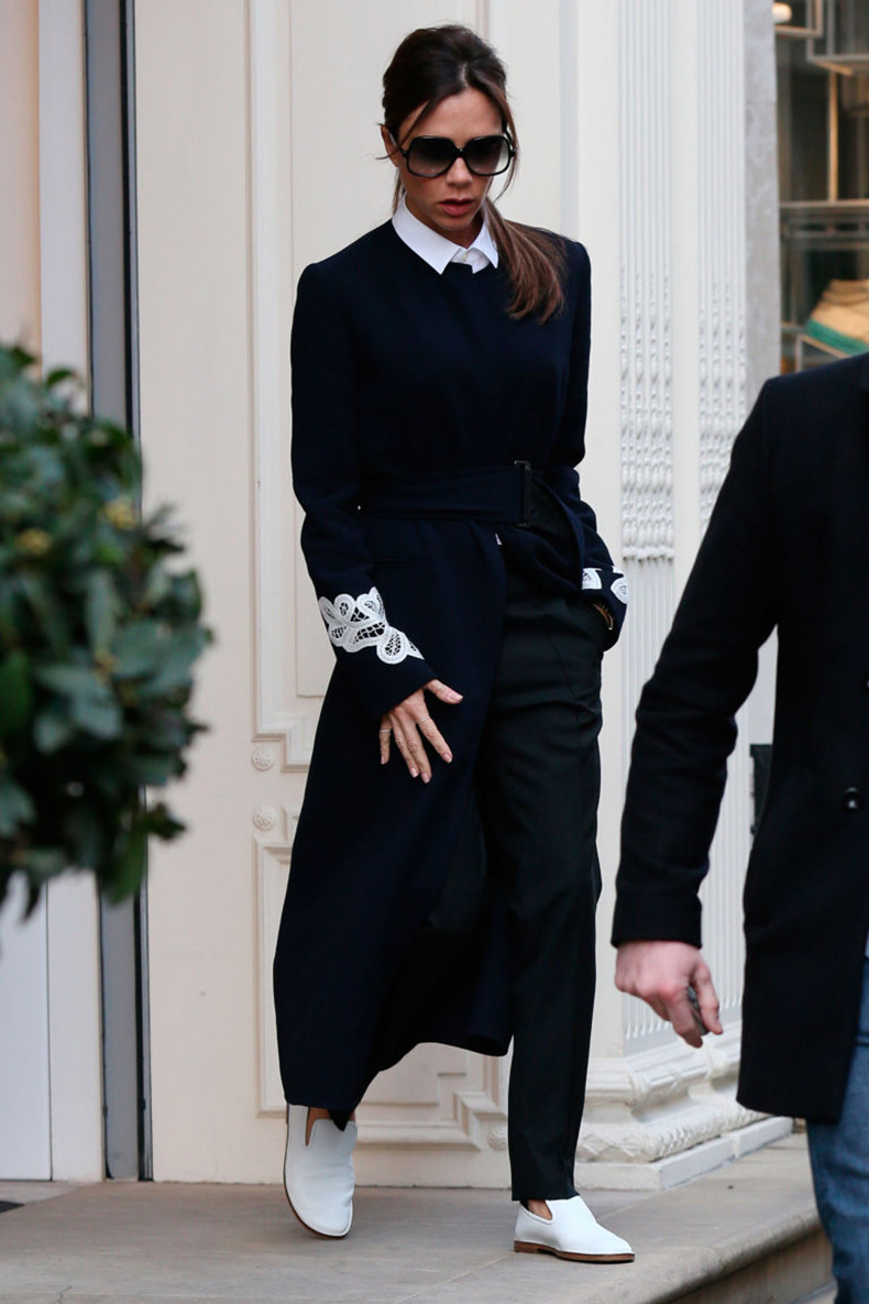 gallery-1456834365-victoria-beckham-trainers