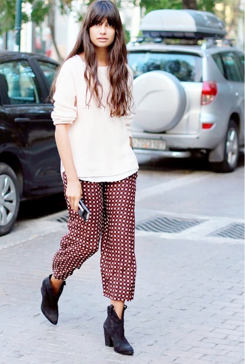 printed-pants-pajama-pants-isabel-marant-ankle-booties-sweater-white-sweater-layers-casual-weekend-via-pinterest