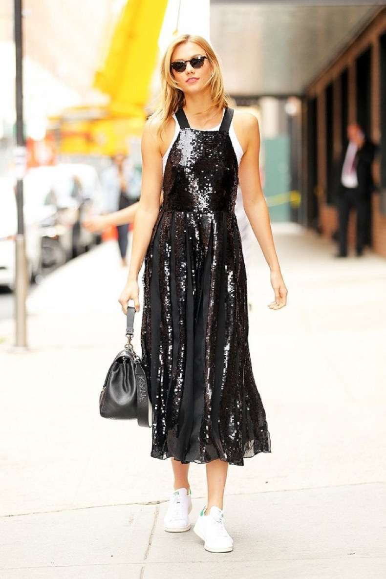 see-how-karlie-kloss-pulled-off-a-fancy-sequined-dress-with-sneakers-1838516-1468610084.640x0c