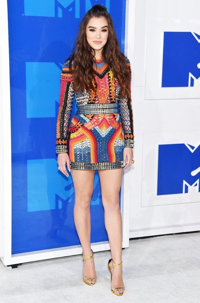 all-the-showstopping-vma-looks-you-need-to-see-1884803-1472429813.640x0c