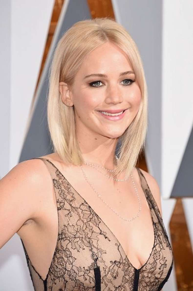 beauty-2016-02-jennifer-lawrence-oscars-2016-hair-main