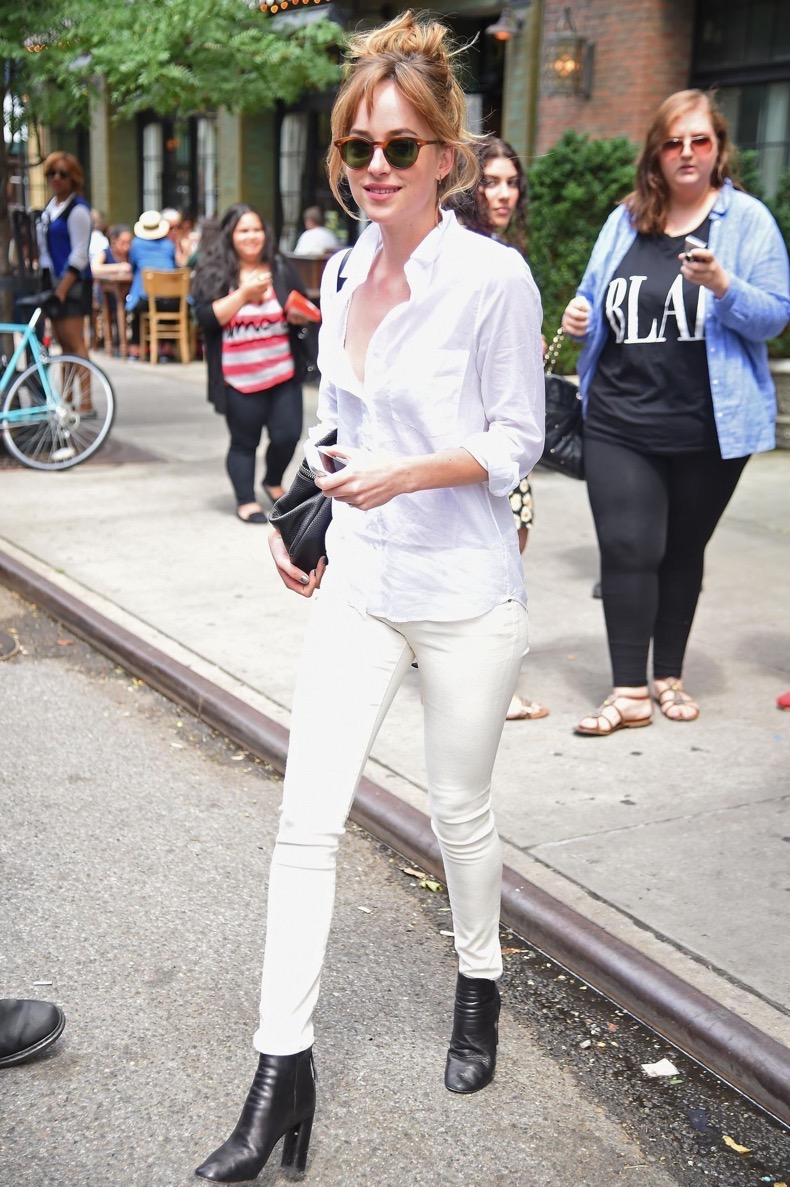 dakota-johnson-casual-style-out-in-new-york-city-july-2014_1