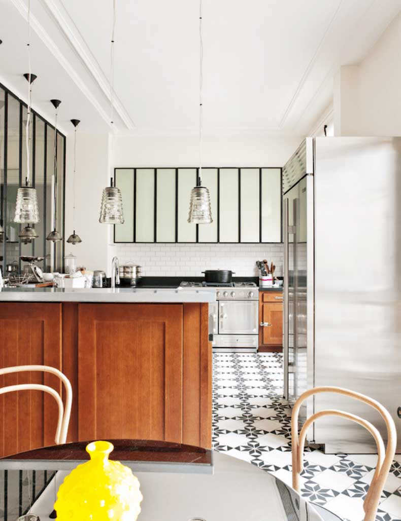 u-shape-kitchen-my-domaine-tile-floors-yellow-chairs-cococozy