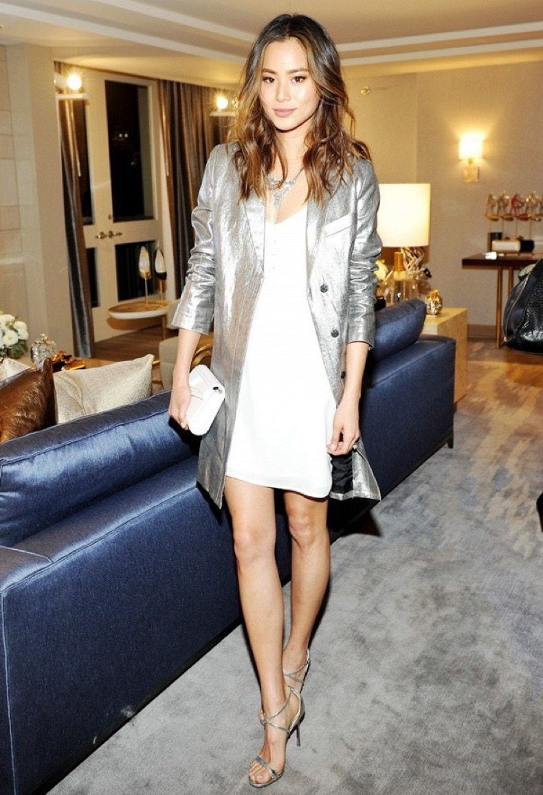 jamie-chung-gives-us-a-metallic-outfit-you-can-actually-wear-irl-1673836-1456446405-640x0c