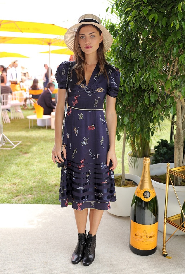 phoebe-tonkin-veuve-clicquot-polo-classic-red-carpet-2016