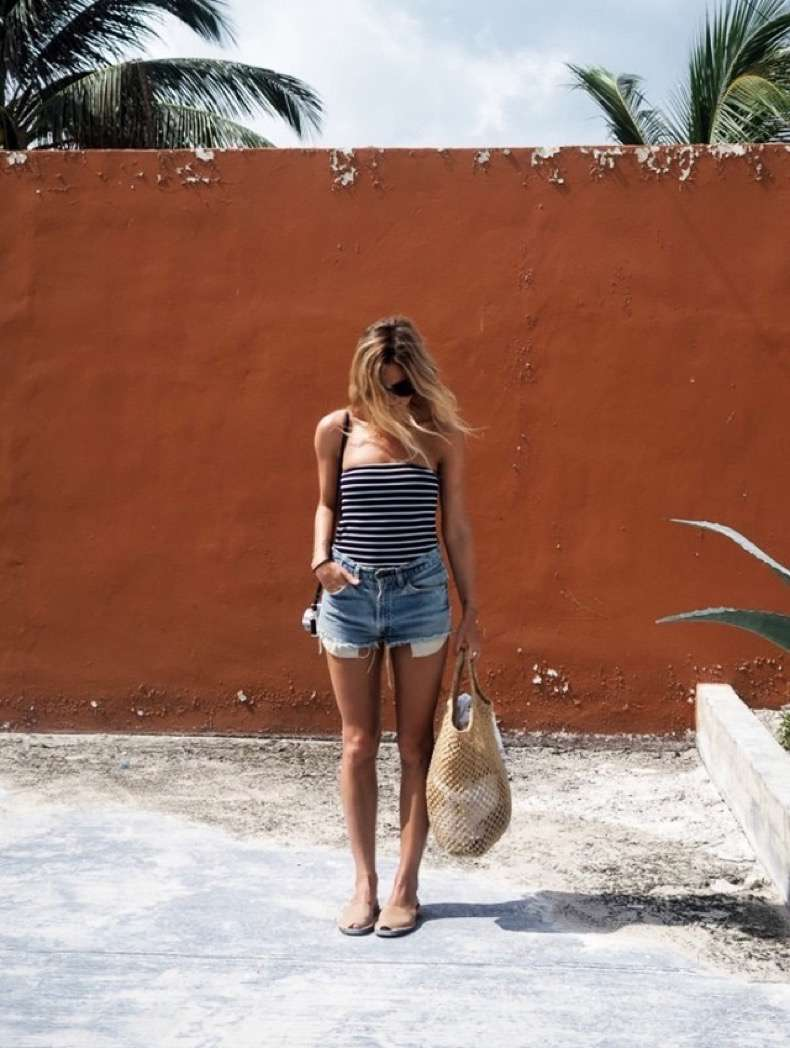 9-things-every-fashion-blogger-brings-on-vacation-1859272-1470347998-640x0c