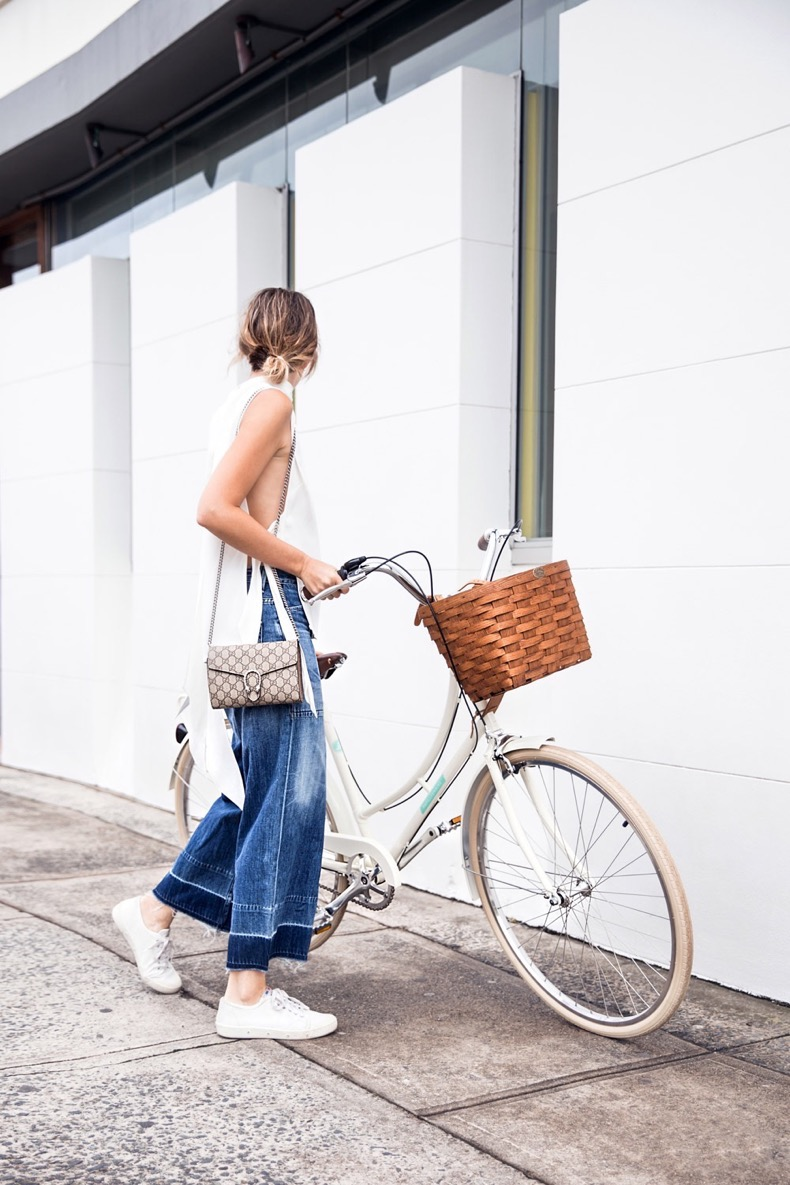 chronicles-of-her-street-style-bike